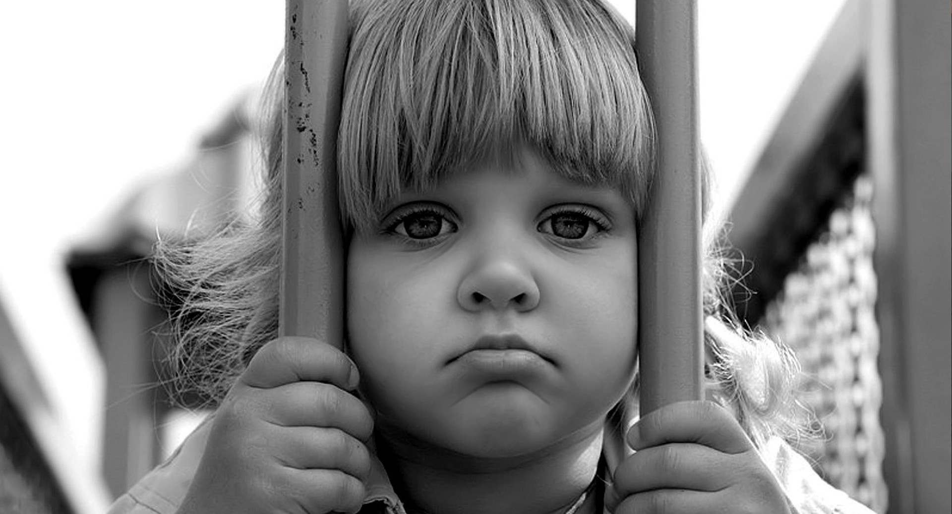 Девочка сирота картинка